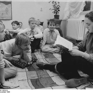 Vorlesung in der Kinderbibliothek