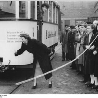 Einweihung Mobiler Bibliothekswagen