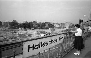 Berlin_Mehringplatz_049041.jpg